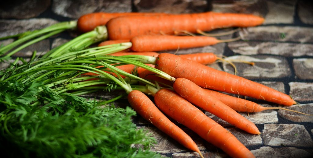carrots 2387394 1920 1024x519 - Witamina A